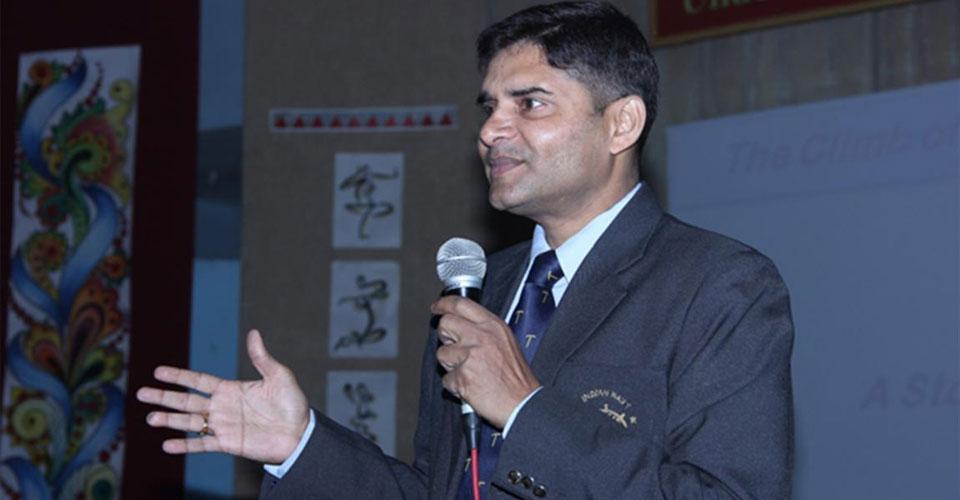 Igniting-the-Achiever-Within-program Cdr-Abhishek-Kankan-DPS-Meerut