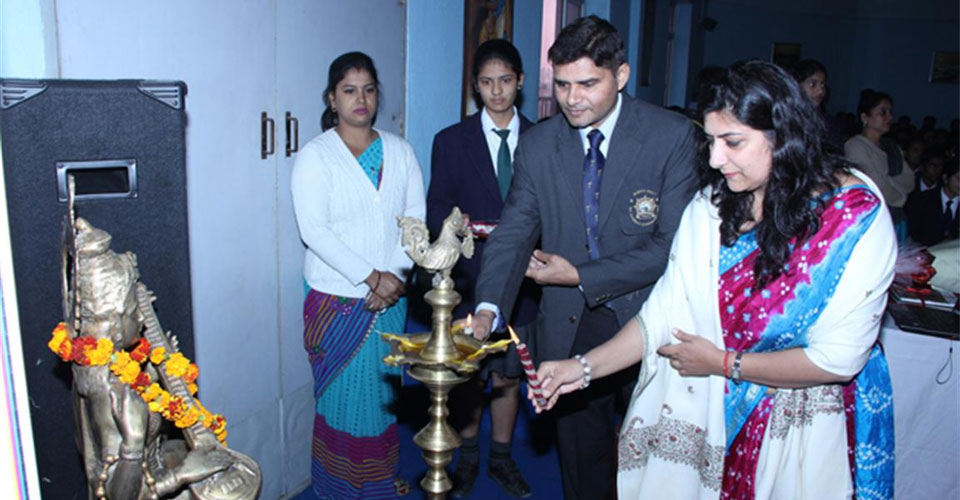 Igniting-the-Achiever-Within-program-for-Schools-Cdr-Abhishek-Kankan-DPS-Meerut-2