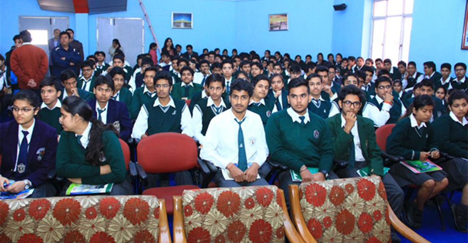 Igniting-the-Achiever-Within-program-for-Schools-Cdr-Abhishek-Kankan-DPS-Meerut-4