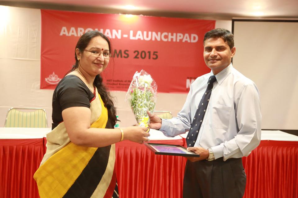 Guest-speaker-at-MMS-Aarohan-2015--MET-Institute-of-Management-1